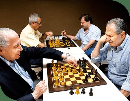 Xadrez Exige Raciocínio e Estratégias, Mantendo a Mente Ativa