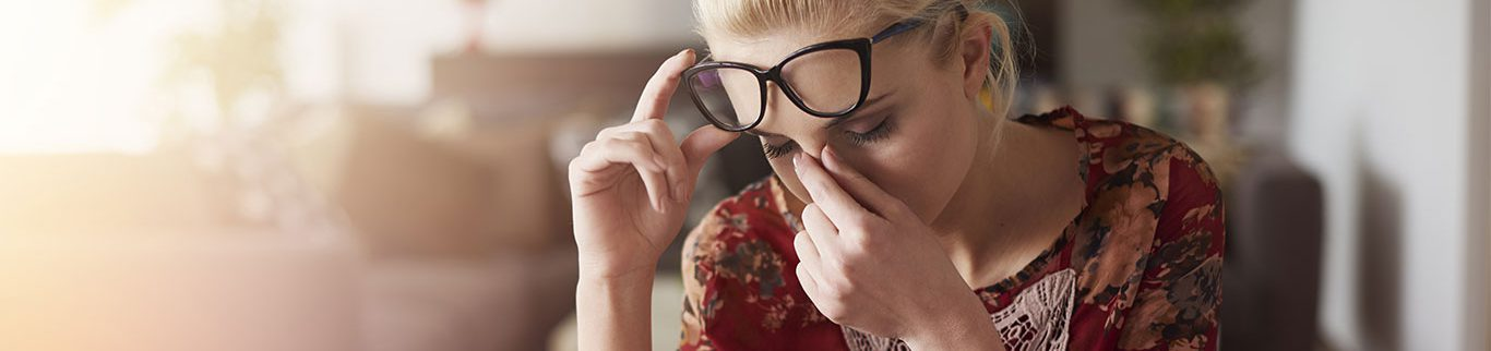 Como prevenir crises de dor de cabeça e enxaqueca no verão