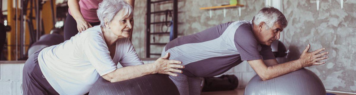 Dores nas costas e na lombar podem estar relacionadas aos novos hábitos da pandemia